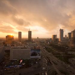 Warschau - Aleje Jerozolimskie met Paleis voor Cultuur en Wetenschappen