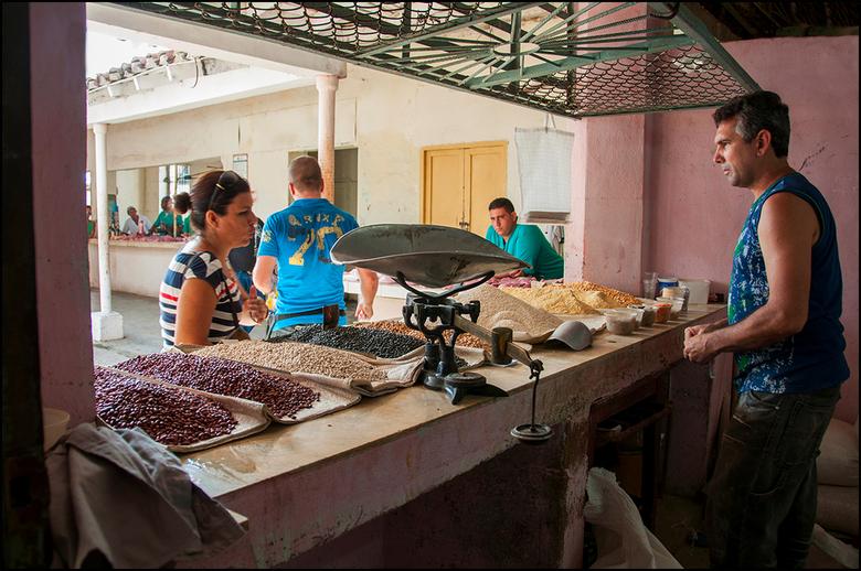 Cuba 139 - Eten is een van de basis behoeften van de mens. Een die ons allen verbind, waar je ook ter wereld woont. Je kunt niet zonder. En helaas hee