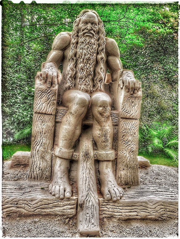 huttenkloas  - Zandsculptuur in Diepeheim bij kasteel Warmelo.