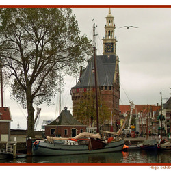 Haven en hoofdtoren van Hoorn (NH)