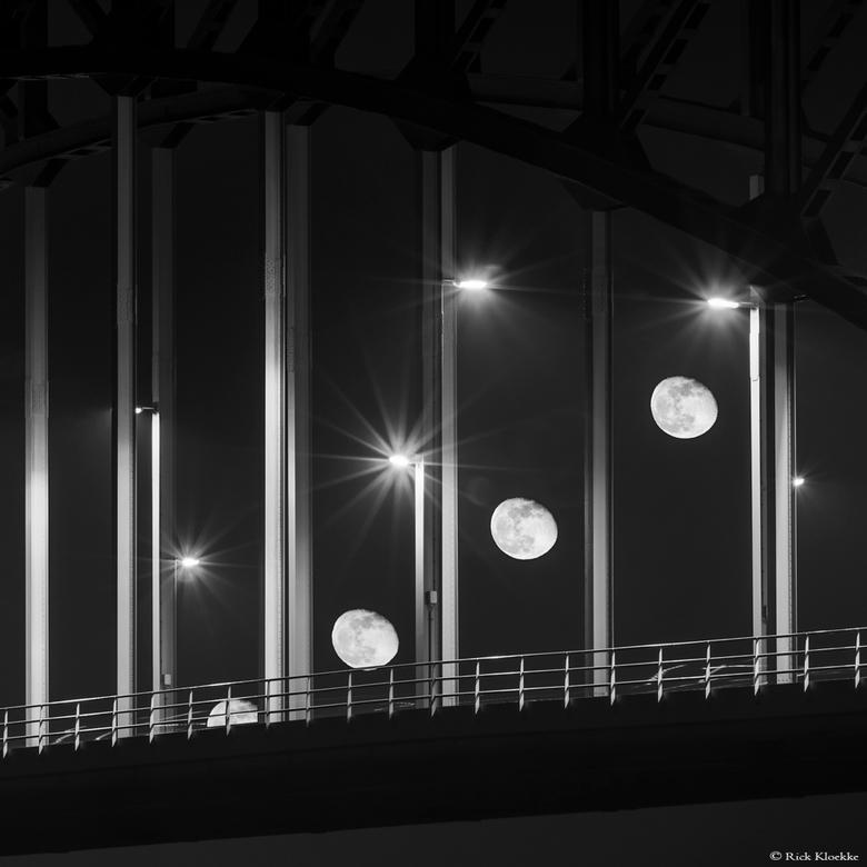 Maan IJsselbrug