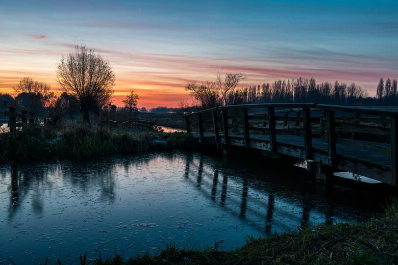 Winter is Coming - We hoopten op parelmoerwolken gister, maar helaas, die bleven uit. Gelukkig was er wel een prachtige zonsondergang. Anders was ik v
