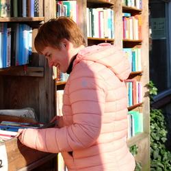 Neus in de boeken