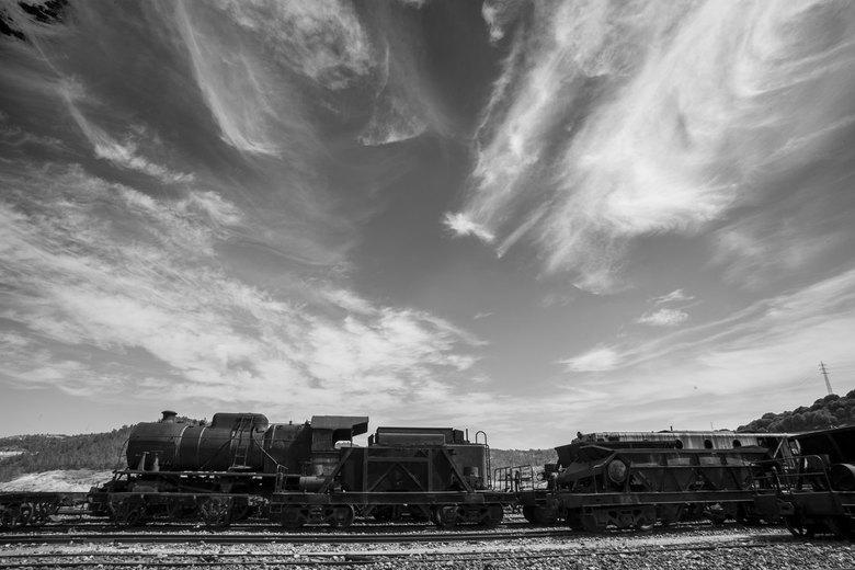 industrieel erfgoed Rio Tinto 3 - Nog een laatste foto van het Rio Tinto industrieel erfgoed. Verlaten treinen ooit gebruikt voor het transport van de
