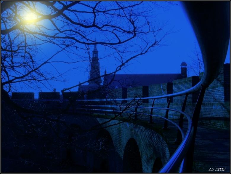 """""""maanlicht"""" - Het standpunt is niet helemaal origineel te noemen, hoewel deze van de andere kant van de Burcht is genomen en ik heb"""