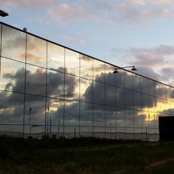 Spiegelbeeld wolkenpartij