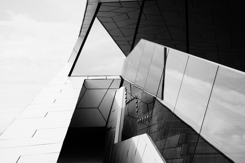 """Eye - Amsterdam - Architectuur van het """"EYE filmmuseum"""" gebouw te Amsterdam."""