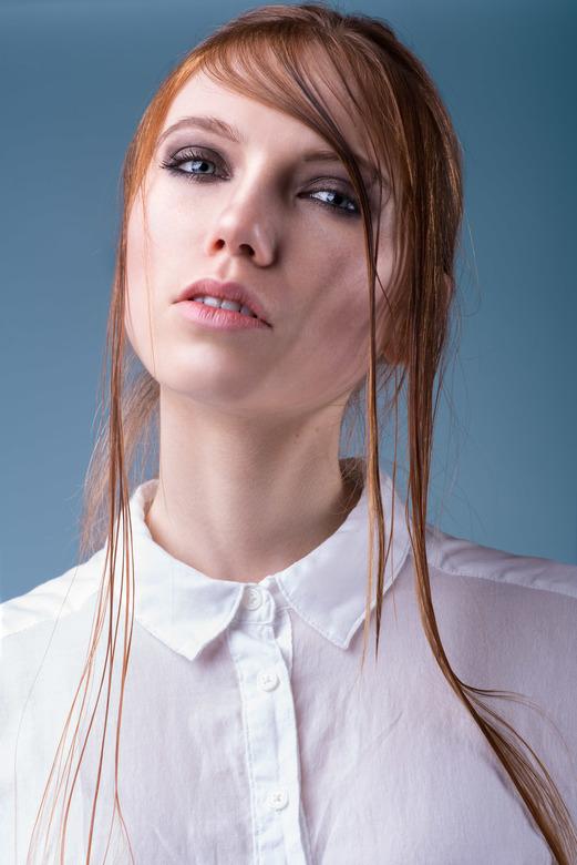 Fire &amp; Ice - Fire &amp; Ice editorial voor Elegant Magazine<br /> model: Nikki Sikkema @ Division Model Management<br /> makeup &amp; haar: Sann