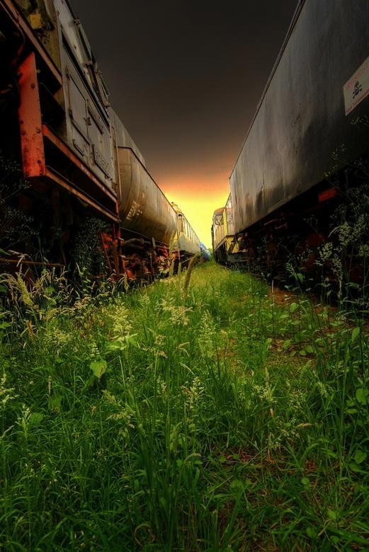 Between locomotives - Tussen 2 grote jongens in