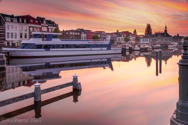 De haven in leiden  - De haven in leiden paar minuten voor de zon opkomt
