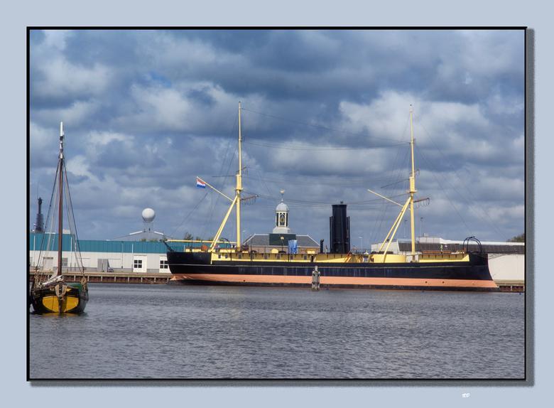 De Schorpioen. - Oud ramschip en voormalig wachtschip voor Marva's. Heeft ook nog een tijdje in Middelburg gelegen meen ik, maar nu weer terug in