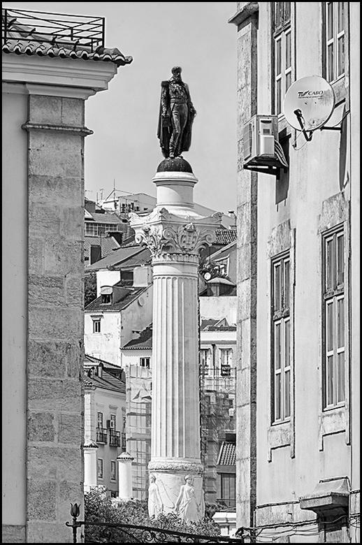 Lissabon 48 - In menig historische grote stad struikel je bijna overde geschiedenis en eerbetoon aan menig belangrijke inwoner van de stad of land. Wa
