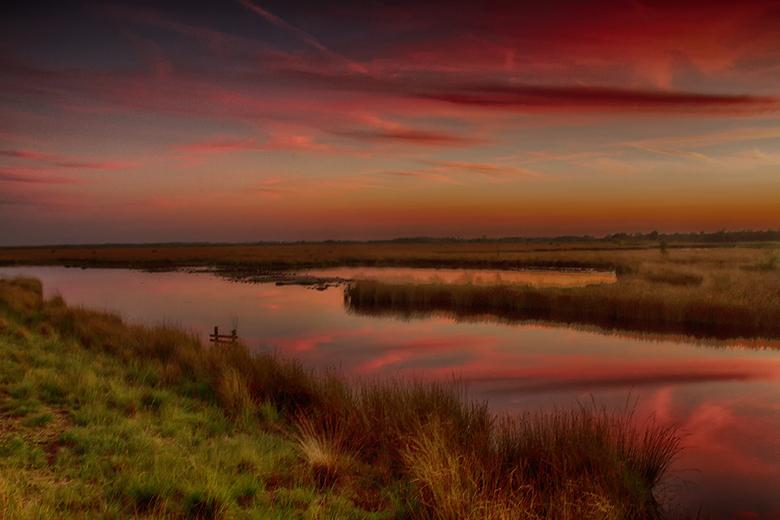 """The colors of the Engbertsdijksvenen - Zonsondergang in """"mijn achtertuin"""" de Engbertsdijksvenen, een prachtig hoogveengebied bij Vriezenveen"""