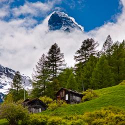 Matterhorn doemt op uit wolken