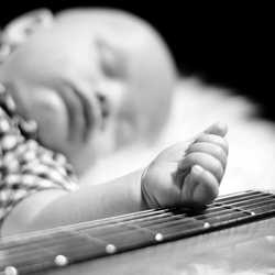 Newborn music shoot-©Roland Wichser (74)