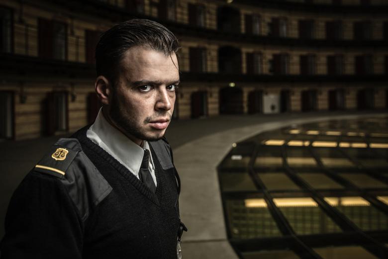 Prison Guard - Environmental shoot van een cipier in de voormalige De Koepel gevangenis in Breda.