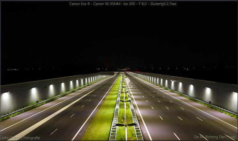 De afgesloten A4 Vlaardingen richting Den Haag - De Afsluiting vannacht van de A4 was een mooi moment om even mijn Camera uit te testen.
