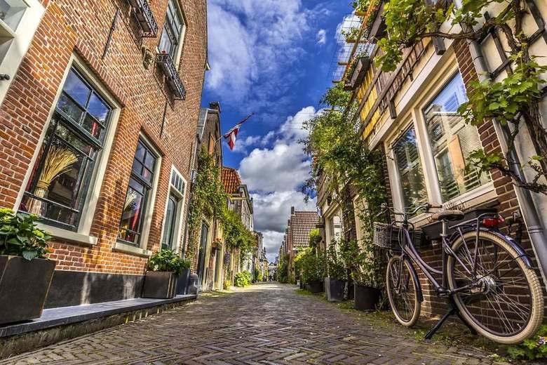 Stilte - St. Jacobsstraat in Alkmaar