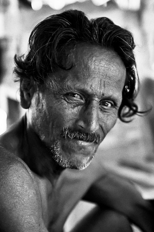 Portret Srilankaan -  Bedankt voor alle reacties op mijn vorige foto!<br /> <br /> Portret van een arbeider in een Cocosnootplantage ( mooi woord vo