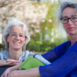 Eeneiige tweeling Anna en Bo 2