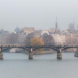 Brouillard sur la ville de lumière