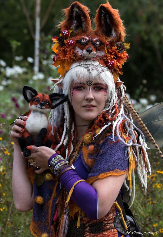 Elf fantasy fair - Kleurrijk persoon tijdens Fantasy fair in Arcen