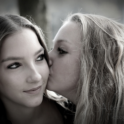 Kissin' Time