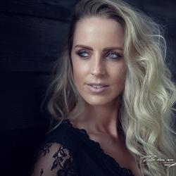 Model: Aukje Dutch Brandy