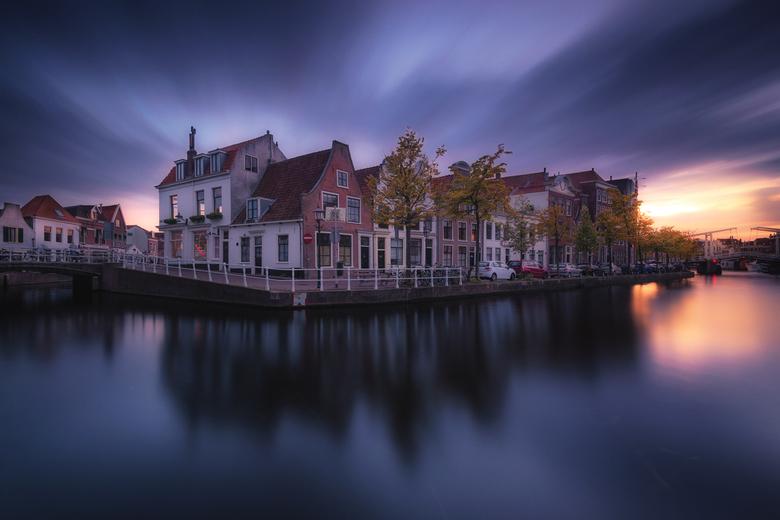Fisherman Houses - De grachtenpanden in de Vissersbocht aan het Spaarne in Haarlem.