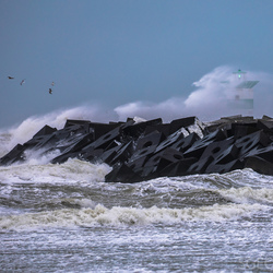 Storm - zuidelijk havenhoofd Scheveningen