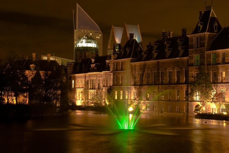 Binnenhof en Hofvijver bij Nacht