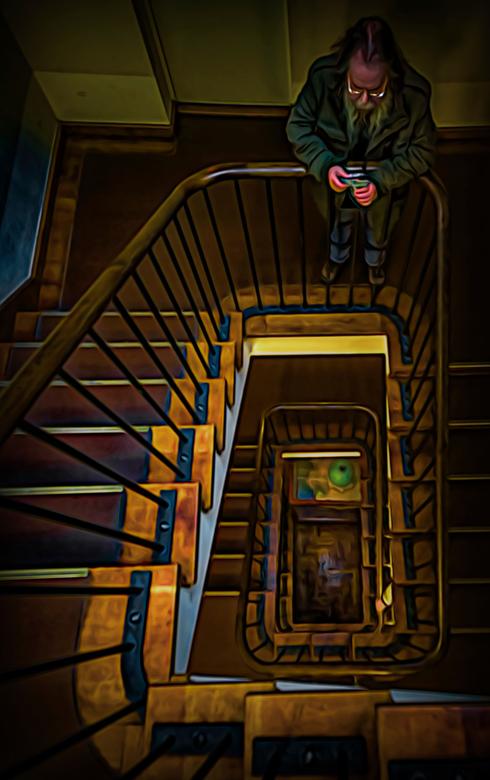 Cees fotografeert het trapgat  - allemaal hartelijk bedankt voor alle fijne reacties op mijn vorige upload .<br /> <br /> laatste periode weinig vri