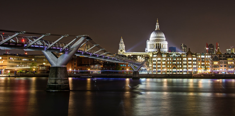 Londen - Millenuim Bridge & St Pauls Cathedral