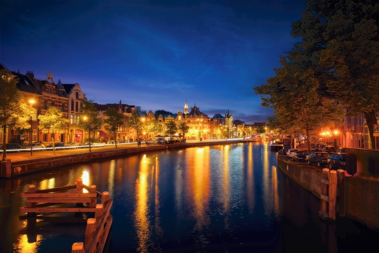 Haarlem by night -2016 - I like to go around at night in  Haarlem.  This is an old shot where I was to try a reflection technique, night exposure and