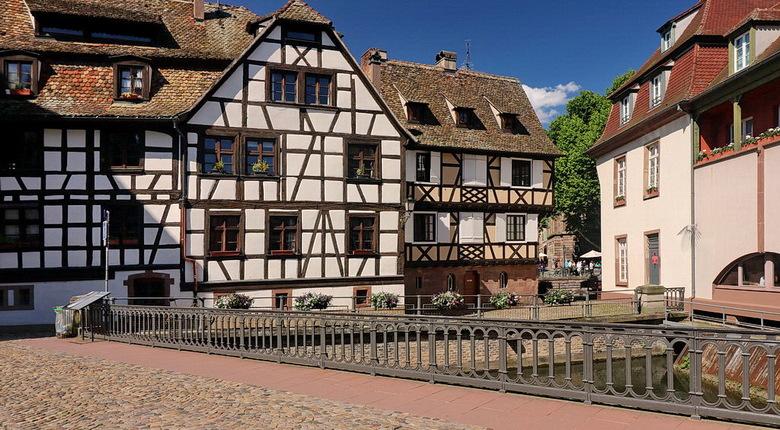 Frankrijk. - De oude binnenstad van Straatsburg.<br /> <br /> 13 juni 2019.<br /> Groetjes, Bob.