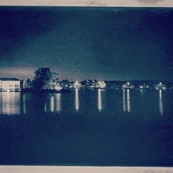 Halfweg by night
