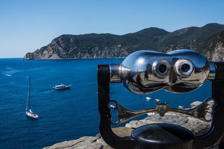 Vernassa_Cinque_Terre - Zeezicht van op de uitkijktoren in vernassa, cinque terre, italië