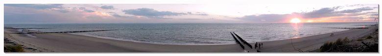 Expansive beach - Een paar weken terug op een van de duinen tussen Vlissingen en Dishoek. Een pano vanuit een videobestand, dat ik zonder statief had