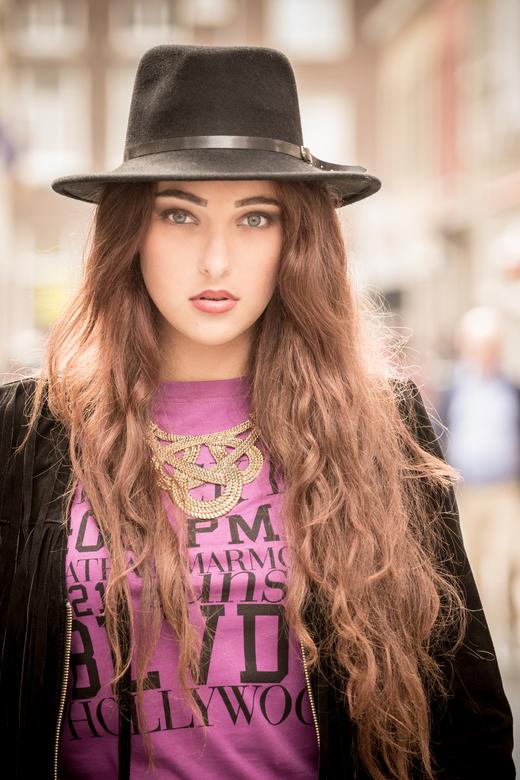Model Chiana - Fashion shoot gedaan inclusief visagie en styling.