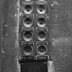 deurnamen, Pisa, Italie.jpg