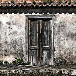 Drie oude deuren