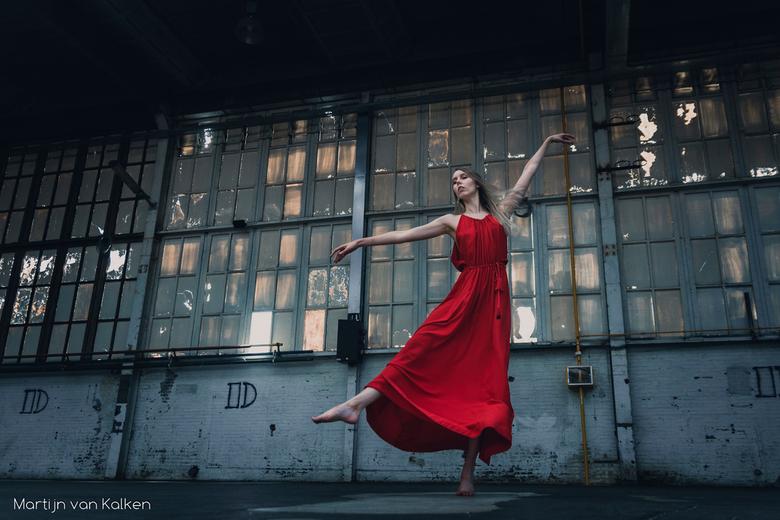 Shut down the factory, let us dance!