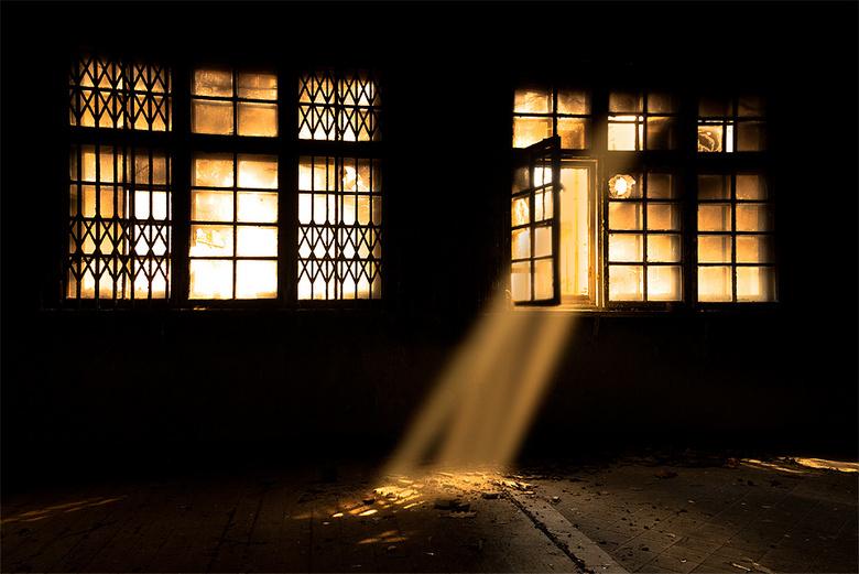 Dark room - Een heel zwart geblakerde kamer in een Russische kazerne in de voormalige DDR.