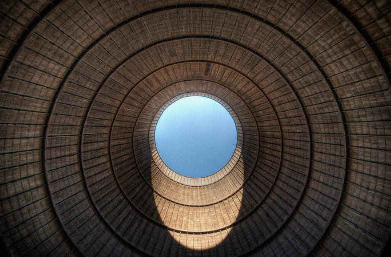 Cooling Tower IM - Koeltoren van een buiten gebruik gestelde energiecentrale