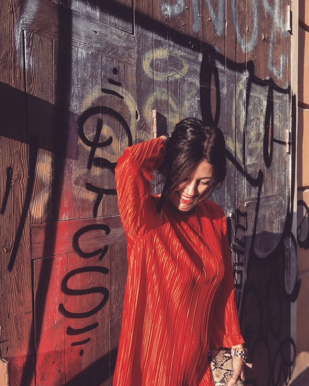 lady in Red - in Valencia