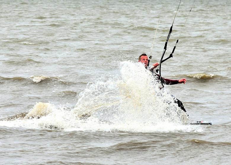 Kite surfer 2 - Lite surfer 2