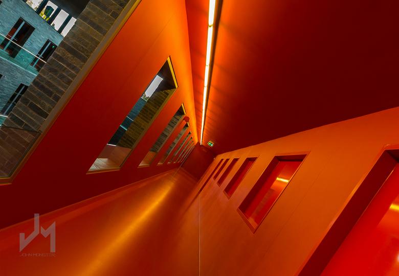 Leading lines - Instituut voor beeld en geluid in Hilversum