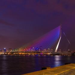Night falls over Erasmusbrug