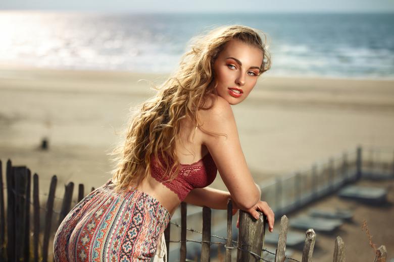 Marleen - model Marleen in Zandvoort aan zee.<br /> MUAH : Dominique Haveman