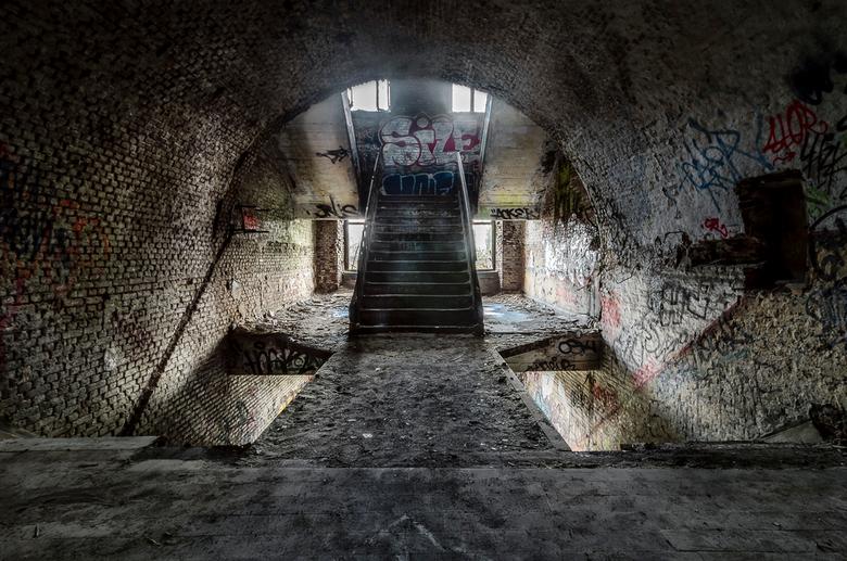 Welcome - HDR uit 3 foto´s.<br /> Een mooie locatie in de omgeving van Luik, helaas iets te veel bezocht door vandaaltoerisme.